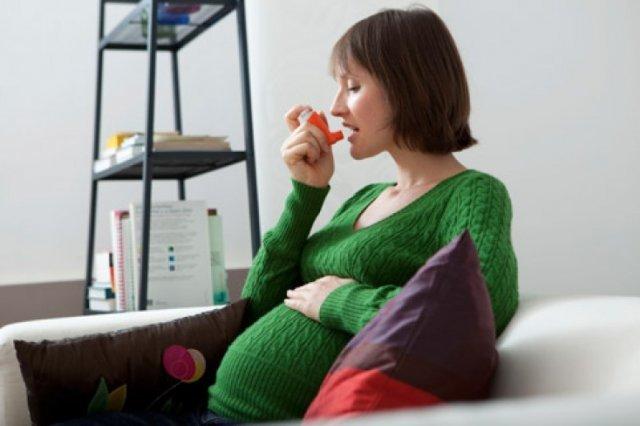 Как влияет бронхиальная астма во время беременности на плод и методы лечения