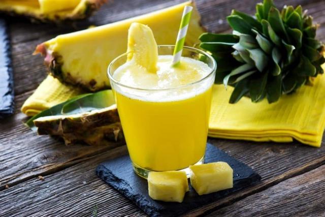 Ананасовый сок: особенности, польза для организма