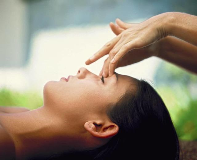 Как делать массаж при кашле взрослым и детям?