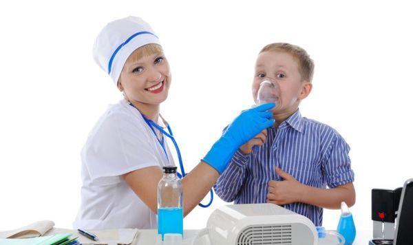 Как лечить кашель в положении лежа у взрослых и детей?