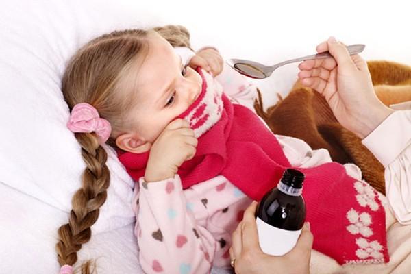 Как нужно принимать порошок от кашля взрослым и детям?