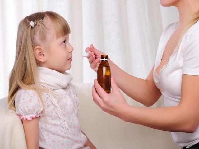 Как называется прививка от коклша и когда ее делают?