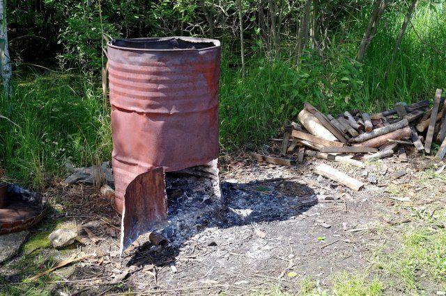 Почему жечь костры с целью утилизации мусора может быть опасно?