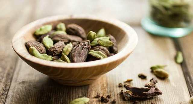 Как принимать кардамон от кашля: народные рецепты