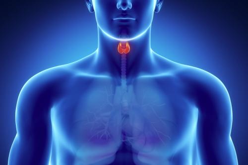 Кашель при щитовидке: симптомы и как лечить?