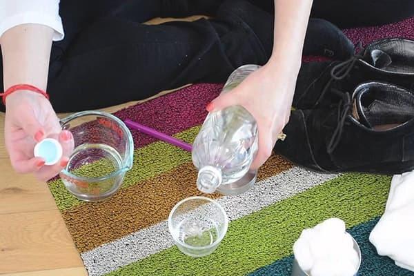 Как удалить запах животных с мебели: секреты и советы