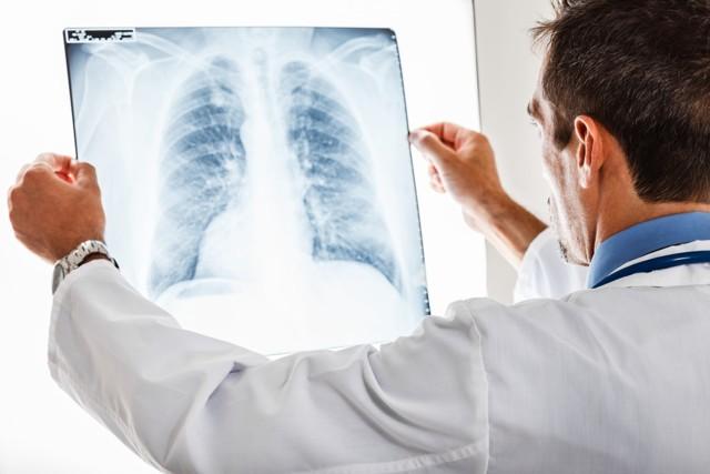 Трудно дышать, не хватает воздуха: причины, что делать