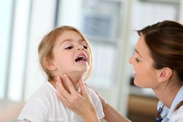 Заразен ли фарингит для окружающих детей и взрослых?
