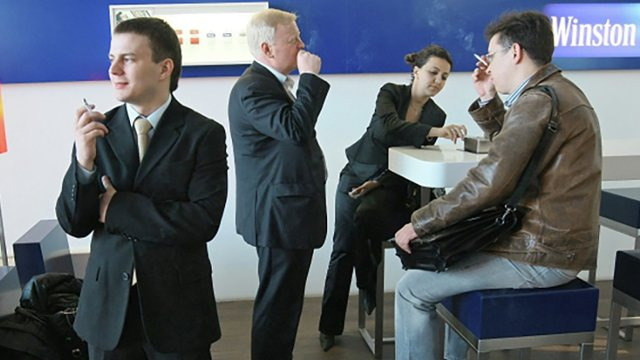 Курительные комнаты в аэропортах будут или нет?