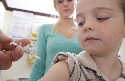 Сильный кашель после АКДС у ребенка: особенности