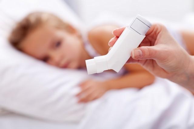 Кого больше среди астматиков: мужчин или женщин?