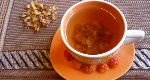 Отвар чашелистников морошки: рецепт и противопоказание