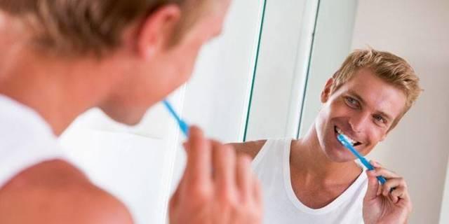 Как можно устранить запах алкоголя изо рта: основные способы