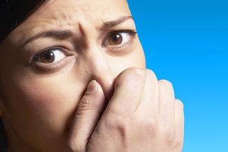 Почему нос не чувствует запахов: основные причины